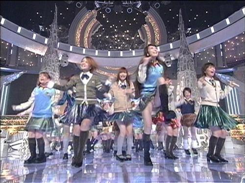 芸能人やアイドルがパンチラしているハプニング系お宝エロ画像 36枚 No.17