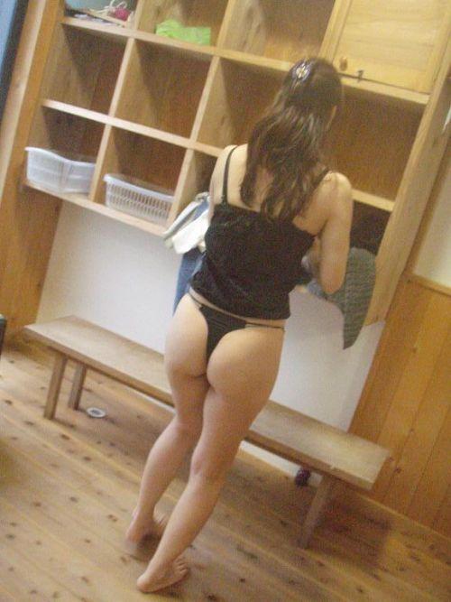 銭湯と温泉の女子更衣室で女性のおっぱいとオマンコ盗撮したエロ画像 34枚 No.8
