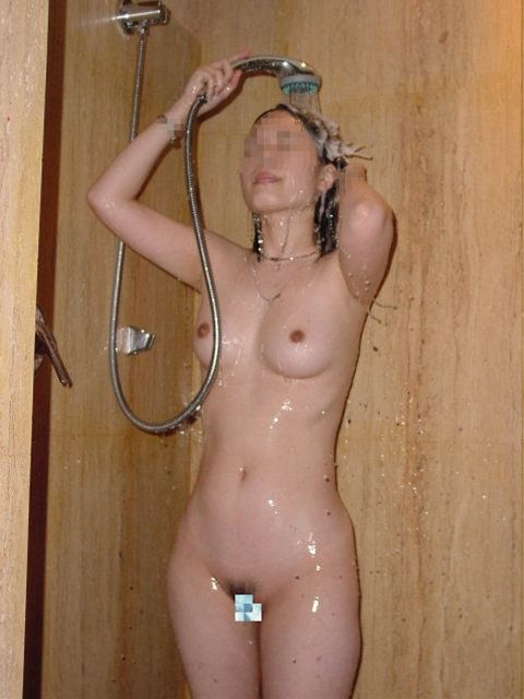 入浴中の素人の体を洗っている素人女性を盗撮したエロ画像 40枚 No.28