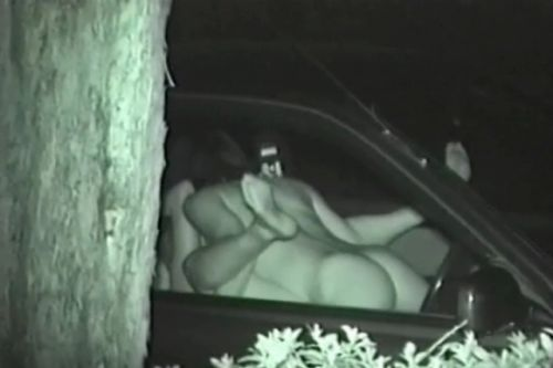赤外線カメラで揺れる車内を盗撮したカーセックスのエロ画像 35枚 No.31