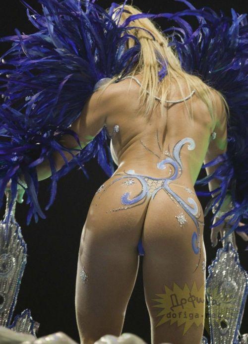 リオのカーニバルで有名なサンバ衣装を着たお姉さんのお尻エロ画像 37枚 No.3
