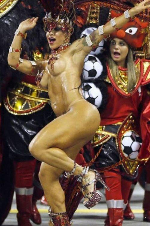 リオのカーニバルで有名なサンバ衣装を着たお姉さんのお尻エロ画像 37枚 No.5