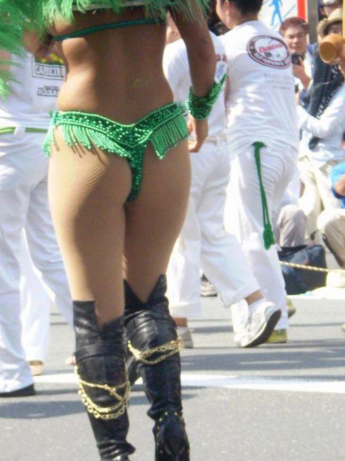 リオのカーニバルで有名なサンバ衣装を着たお姉さんのお尻エロ画像 37枚 No.12