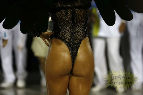 リオのカーニバルで有名なサンバ衣装を着たお姉さんのお尻エロ画像 37枚 No.21