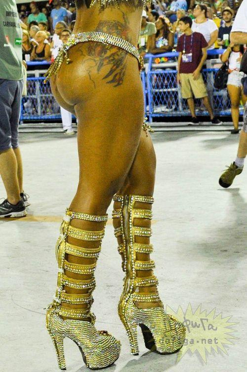 リオのカーニバルで有名なサンバ衣装を着たお姉さんのお尻エロ画像 37枚 No.24