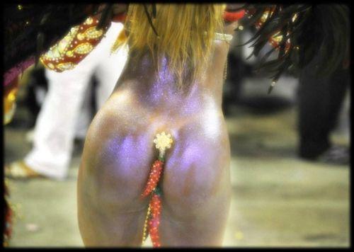 リオのカーニバルで有名なサンバ衣装を着たお姉さんのお尻エロ画像 37枚 No.27
