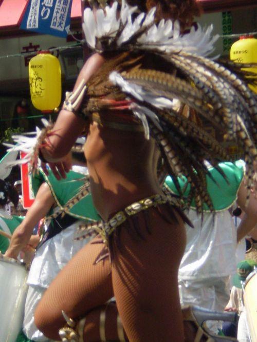リオのカーニバルで有名なサンバ衣装を着たお姉さんのお尻エロ画像 37枚 No.28