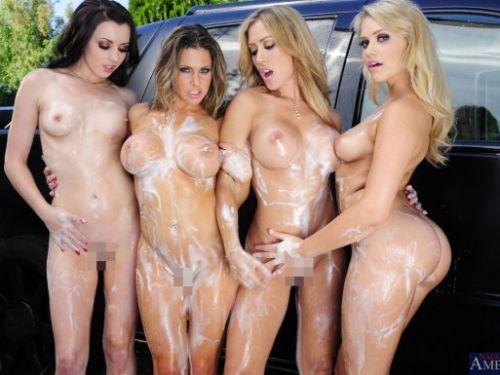 全裸美女外国人が自動車を洗車サービスしてる画像はこちらですwww 31枚 No.1