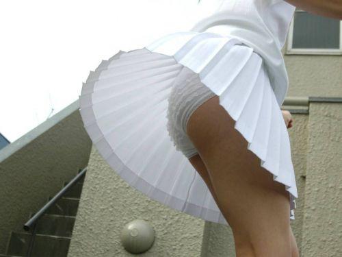 マリリン・モンロー!風でスカートが美しく舞い上がるパンチラエロ画像 31枚 No.1