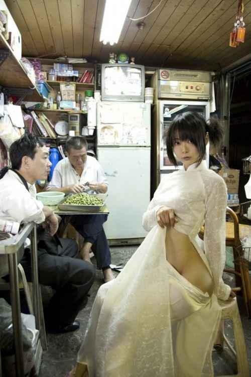 【エロ画像】うしじまいい肉のスタイル抜群でパイパンコスプレに勃起不可避だわwww 100枚 No.12