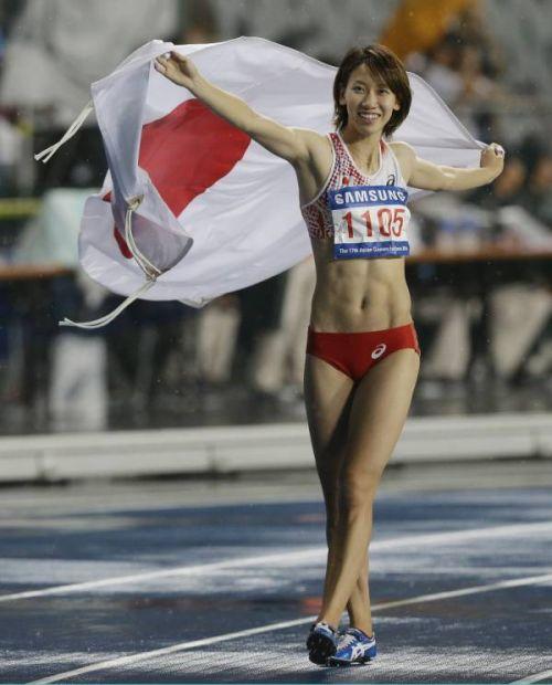 ムキムキの筋肉で腹筋もガッツリ割れてる肉食系女子のエロ画像! 37枚 No.33