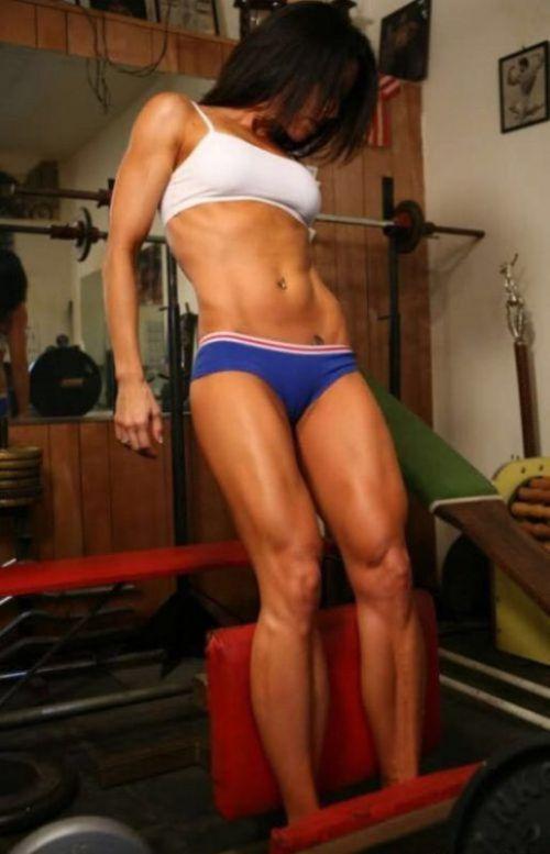 ムキムキの筋肉で腹筋もガッツリ割れてる肉食系女子のエロ画像! 37枚 No.34