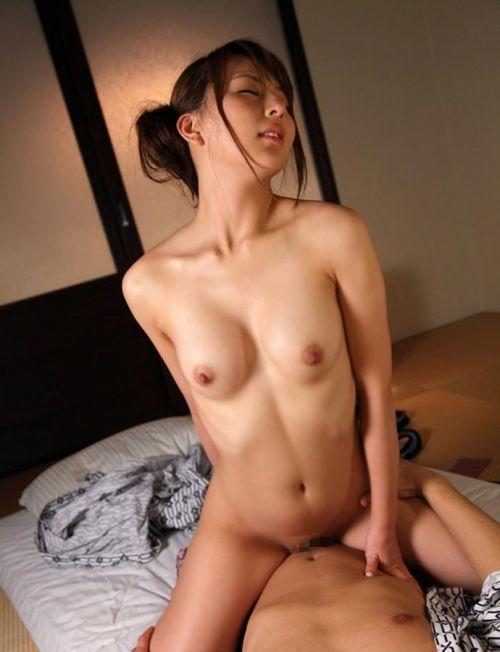 【エロ画像】温泉旅館で浴衣に着替えて食後にやるセックス気持ち良すぎwww 37枚 No.15