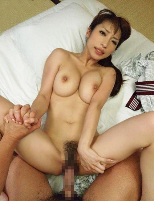 【エロ画像】温泉旅館で浴衣に着替えて食後にやるセックス気持ち良すぎwww 37枚 No.35