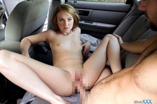 外国人が大きな外車でワイルドにカーセックスしちゃうエロ画像 35枚 No.7