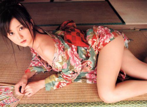 浴衣姿でお尻をポロンと出しちゃってるお姉さんのエロ画像 35枚 No.11