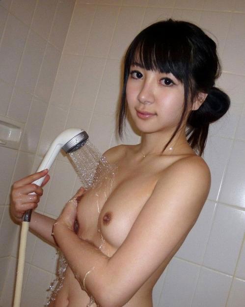【画像】お風呂でシャワーに濡れて艷やかな女の色気がハンパネェwww 40枚 No.37