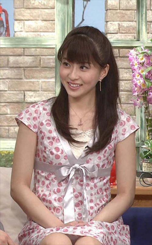 人気女子アナのパンチラ画像を厳選して集めた結果www 31枚 No.3