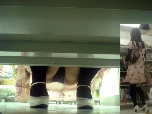 絶対バレない棚下からこっそり見ちゃうパンチラのエロ画像 36枚 No.21