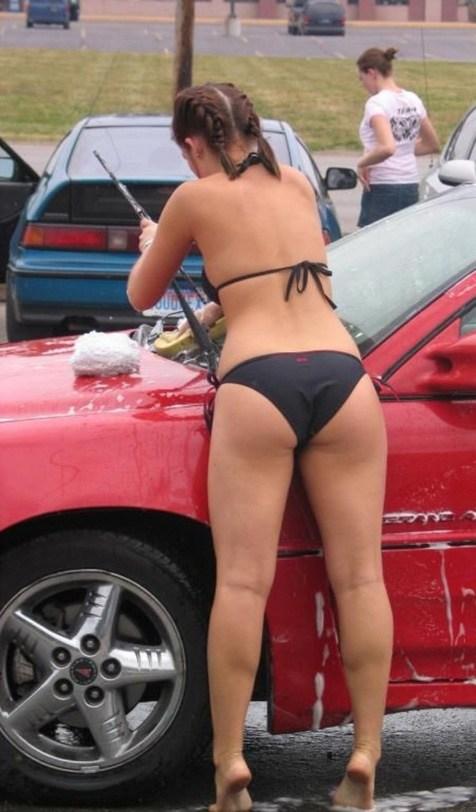 【画像】洗車サービスをするビキニ外国人のデカ尻が抜けるwww 40枚 No.18