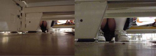 【画像】ビデオ店で制服を着たJKの棚下パンチラがエロ過ぎたwww 34枚 No.12