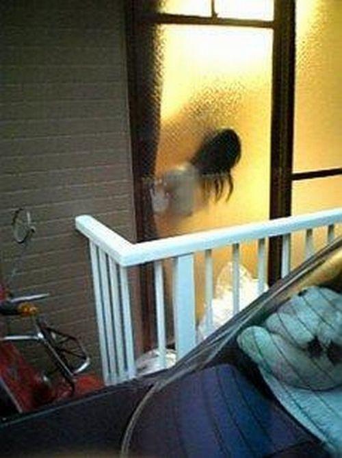 窓から見える全裸お姉さんのおっぱいに注目した盗撮エロ画像 31枚 No.25