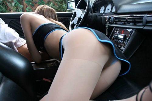 チンコ好きな彼女が家まで待てずに車内でフェラチオしちゃうエロ画像 38枚 No.19