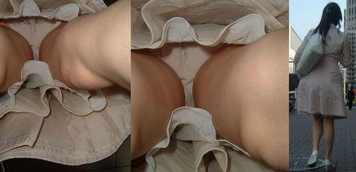 【染みパン画像】熟女を逆さ撮りしたらパンティが愛液でベトベトだわwww 35枚 No.25