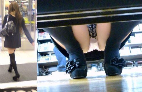 【ビデオ店盗撮画像】ミニスカ娘の棚下パンチラが股間むき出しwww 32枚 No.27