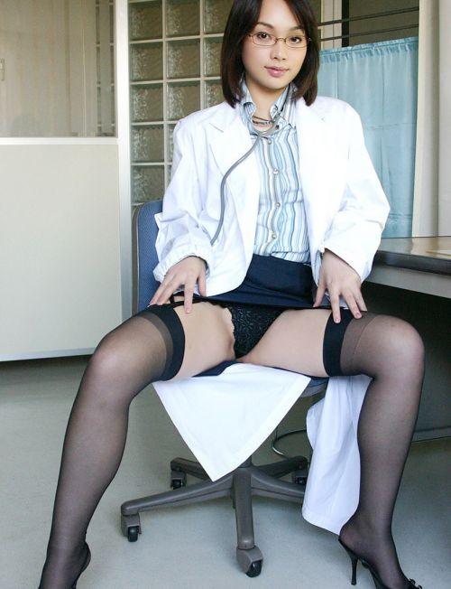 白衣黒ストッキングで患者を誘惑しちゃう激エロ女医画像 32枚 No.24