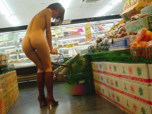 ショップ内や車内など屋内で全裸露出しちゃう女の子のエロ画像 36枚 No.9