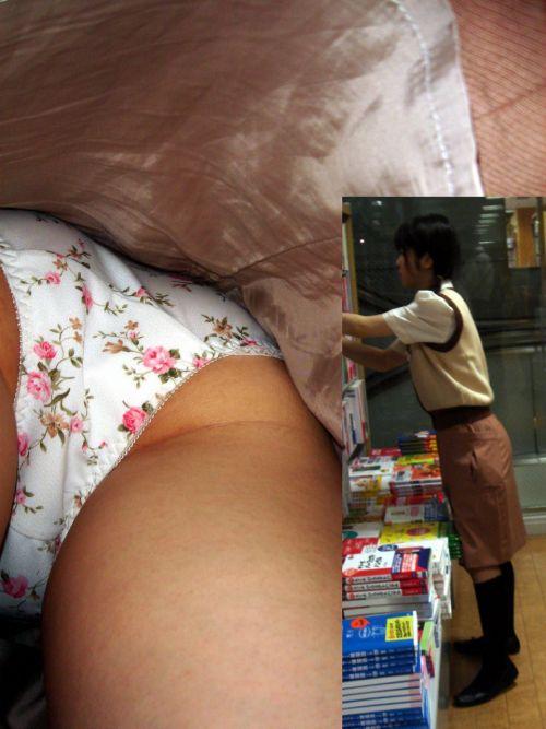 【盗撮画像】ショップ店員を逆さ撮りしたらパンティが派手でエロいwww 34枚 No.31