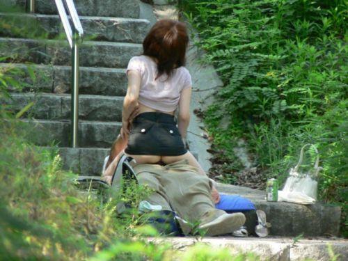 野外でも主導権を握りたい肉食系女子の騎乗位セックスエロ画像 35枚 No.23