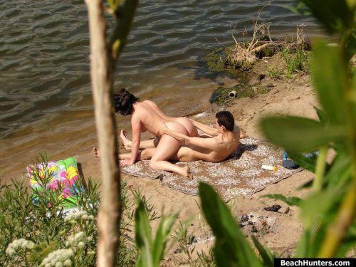 野外でも主導権を握りたい肉食系女子の騎乗位セックスエロ画像 35枚 No.27