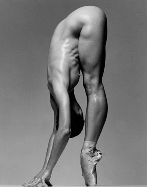 ムキムキの筋肉で腹筋バッキバキの巨乳外国人女性のエロ画像 37枚 No.13