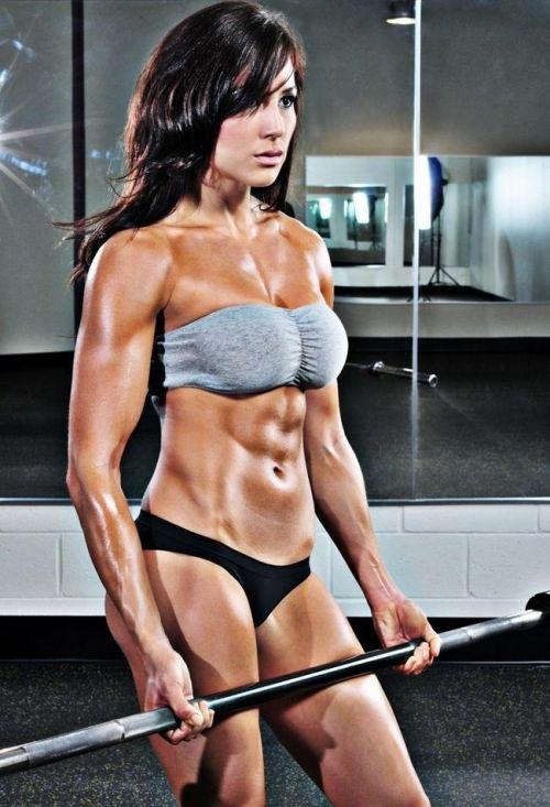 ムキムキの筋肉で腹筋バッキバキの巨乳外国人女性のエロ画像 37枚 No.19