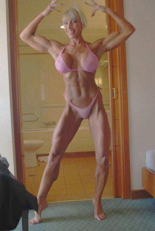 ムキムキの筋肉で腹筋バッキバキの巨乳外国人女性のエロ画像 37枚 No.27