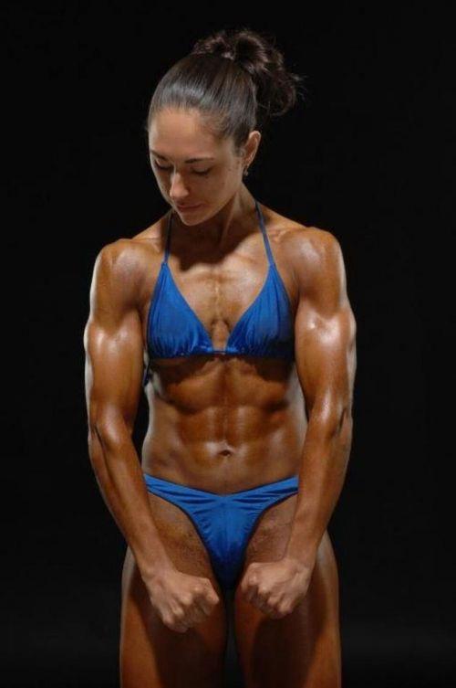 ムキムキの筋肉で腹筋バッキバキの巨乳外国人女性のエロ画像 37枚 No.30