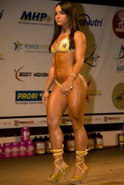 ムキムキの筋肉で腹筋バッキバキの巨乳外国人女性のエロ画像 37枚 No.31