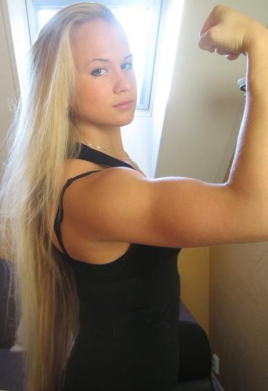 ムキムキの筋肉で腹筋バッキバキの巨乳外国人女性のエロ画像 37枚 No.34