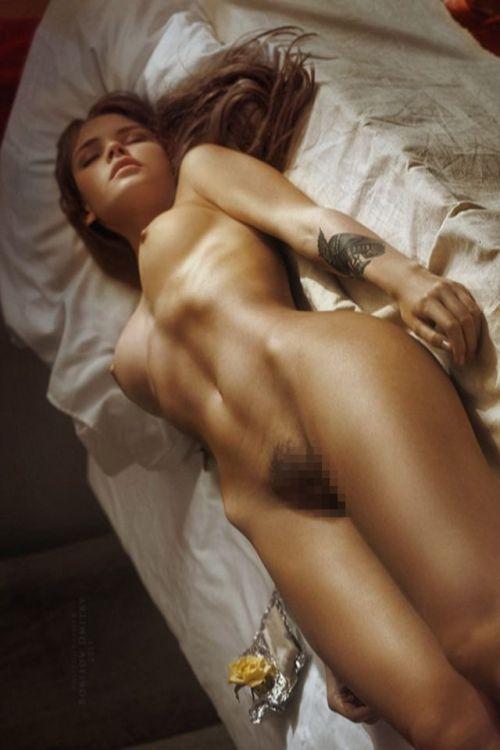 全裸でおっぱいやオマンコ丸出しで寝てる海外女性の盗撮エロ画像 35枚 No.14