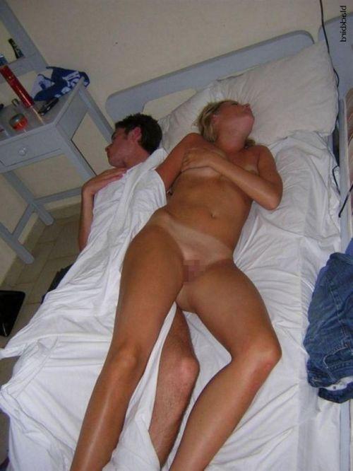 全裸でおっぱいやオマンコ丸出しで寝てる海外女性の盗撮エロ画像 35枚 No.19