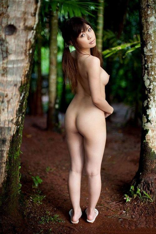 全裸で野外露出しちゃうハイレベルな変態女子のヌードエロ画像 37枚 No.4