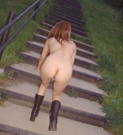 全裸で野外露出しちゃうハイレベルな変態女子のヌードエロ画像 37枚 No.19