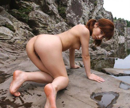 全裸で野外露出しちゃうハイレベルな変態女子のヌードエロ画像 37枚 No.33