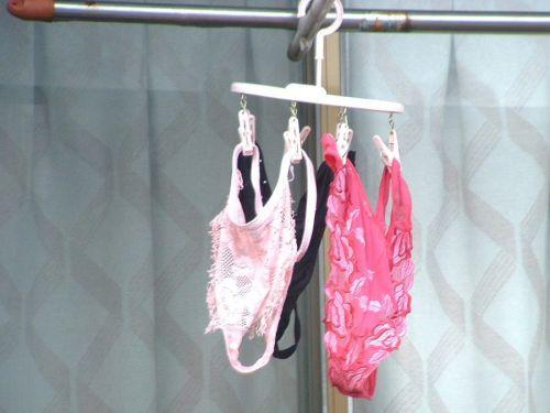 カラフルなパンティにエッチなブラジャー!外干し洗濯物盗撮画像 35枚 No.24