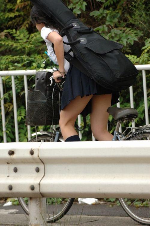 自転車通学中JKのお尻から見えちゃうパンチラを厳選したエロ画像 38枚 No.5
