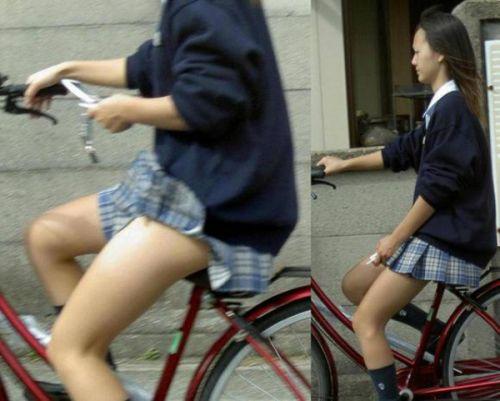 自転車通学中JKのお尻から見えちゃうパンチラを厳選したエロ画像 38枚 No.24