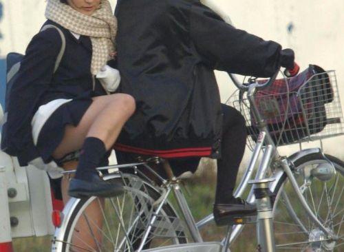 自転車通学中JKのお尻から見えちゃうパンチラを厳選したエロ画像 38枚 No.29