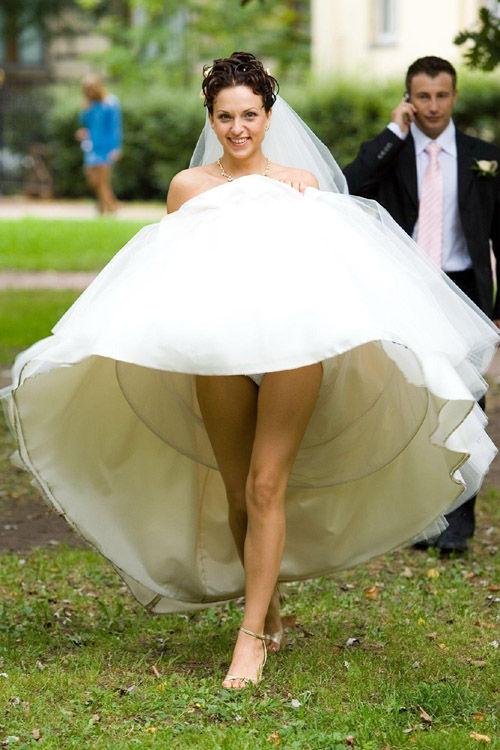 前から限定!外国人のスカートが風で舞い上がるパンチラエロ画像 26枚 No.25